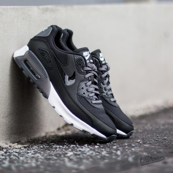 Nike Air Max 90 Womens black white sz.6
